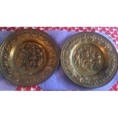 Vintage 2 Brass Copper Wall  Plaque English Scenes 11 1/2 Inches Diameter   302630050003