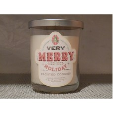 DW HOME  VERY MERRY HOLIDAY FROSTED COOKIE 14 OZ CANDLE  NEW   232889049158